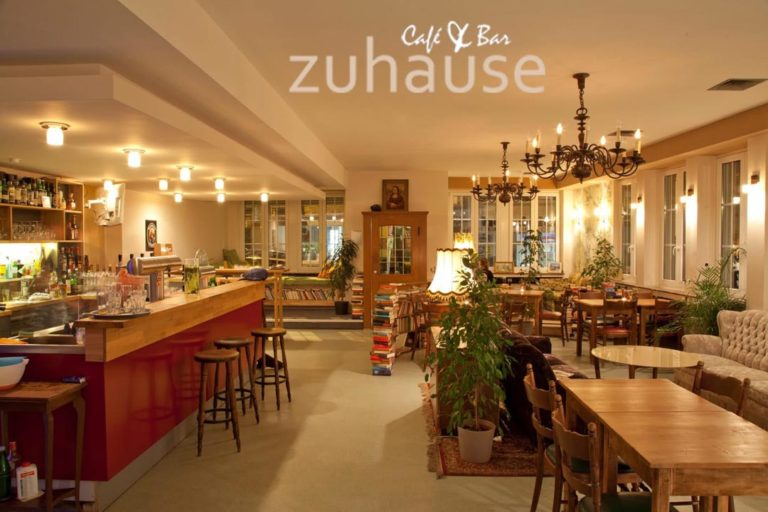 Cafe & Bar Zuhause